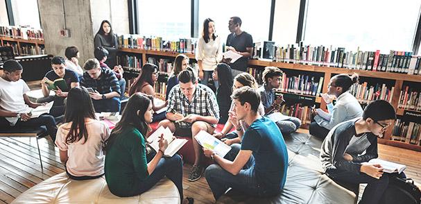 学校法人明治大学様 駿河台キャンパス リバティタワーの写真
