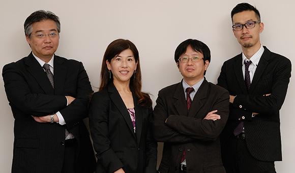 左から:富士通株式会社 岸本 博之/絹田 昌子/村上 行弘/森川 克巳
