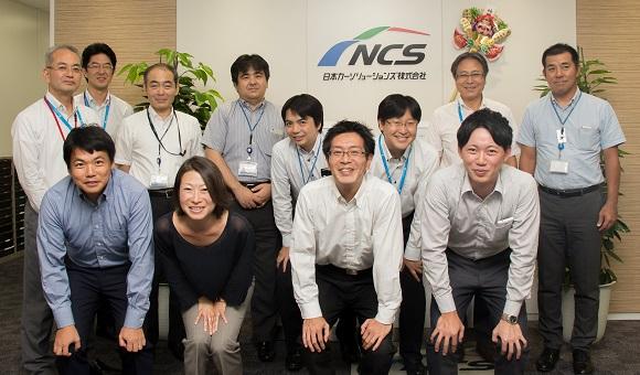 写真:東京センチュリー株式会社、日本カーソリューションズ株式会社の皆様と富士通のプロジェクトメンバー