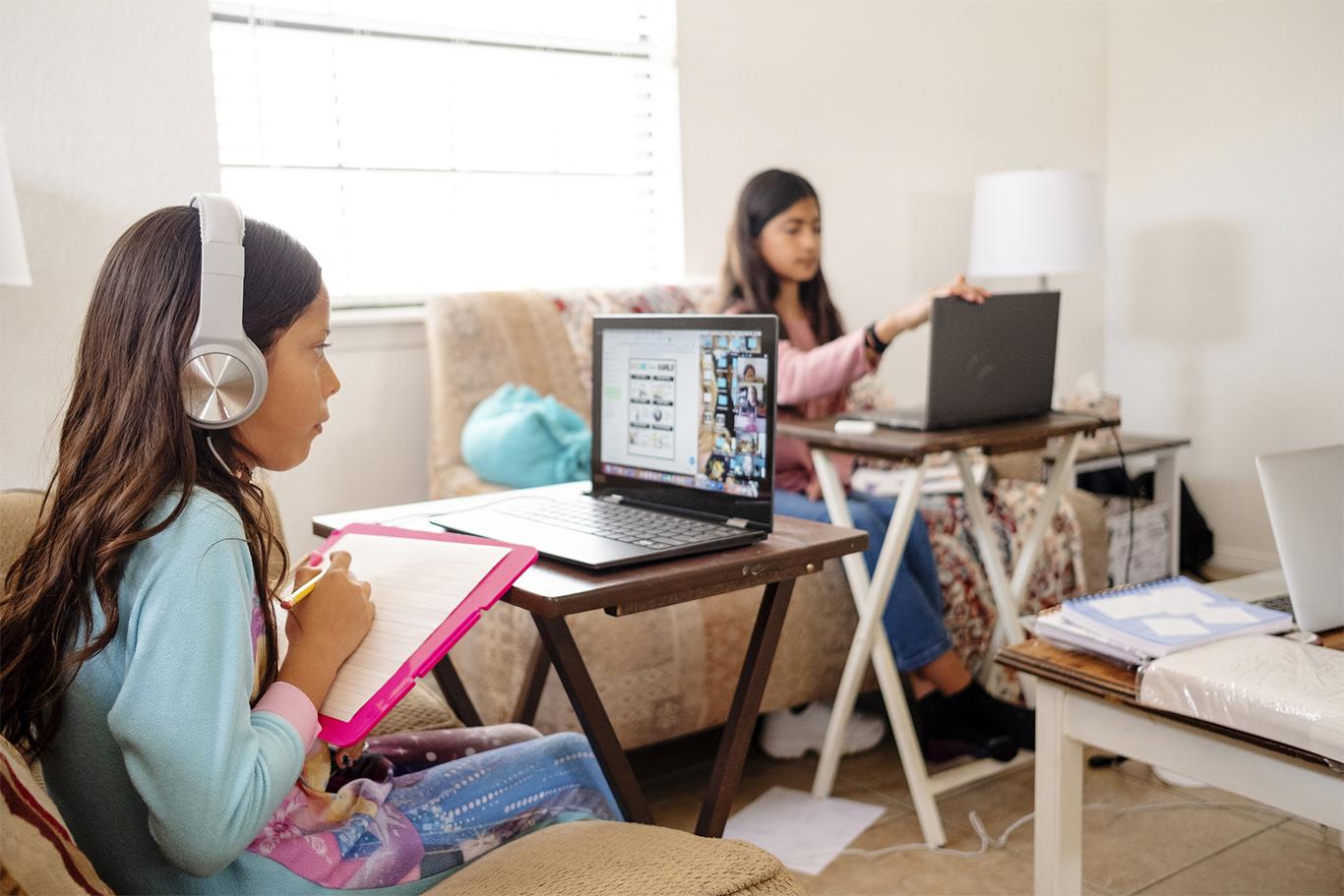 Main visual : Supporting education through COVID-19