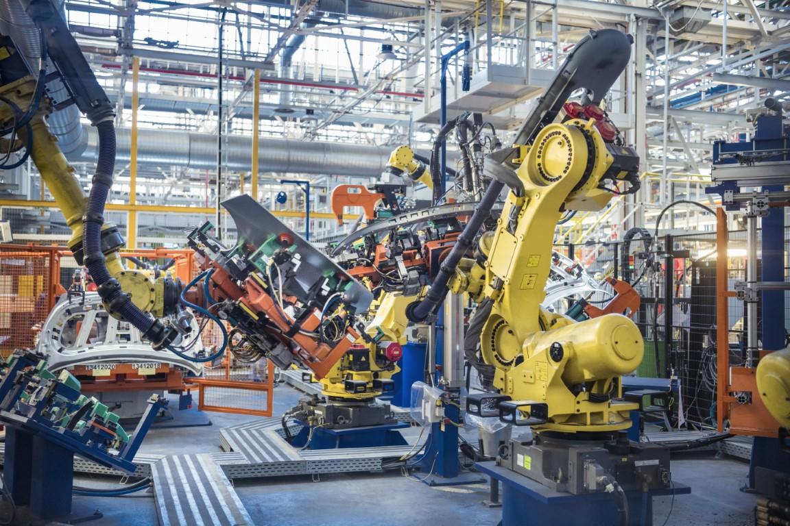 Main visual : Reimagining data-driven manufacturing with Fujitsu