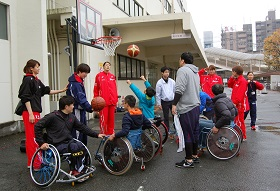 Wheelchair basketball workshop at the Fujitsu Spring Festival
