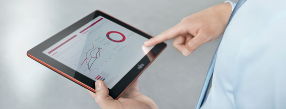 Person using a Fujitsu M532 Tablet